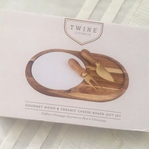 Gourmet Wood and Ceramic Cheese Board NWT